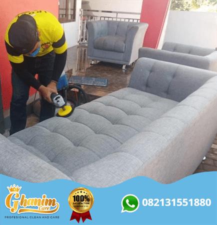 Jasa cuci sofa malang - Ghanim Care